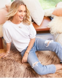 woman in relaxed denim jeans
