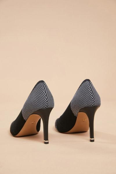 Kenneth cole Knit Riley Pump