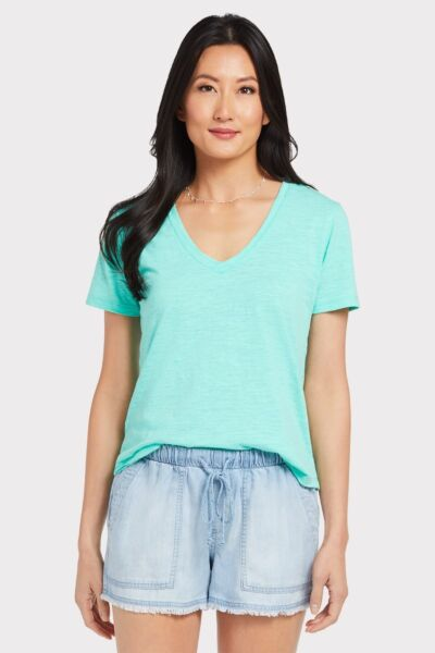 ba62191699f7 Shop Tops - EVEREVE - a contemporary fashion and styling company for ...