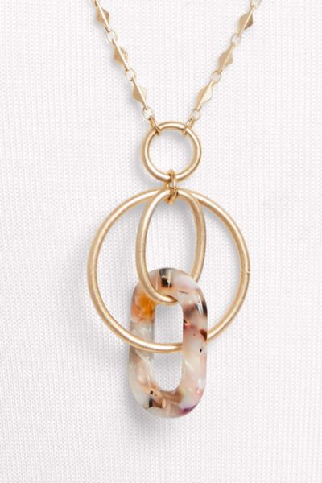 Thirty-nine 42 Milo Resin Pendant Necklace
