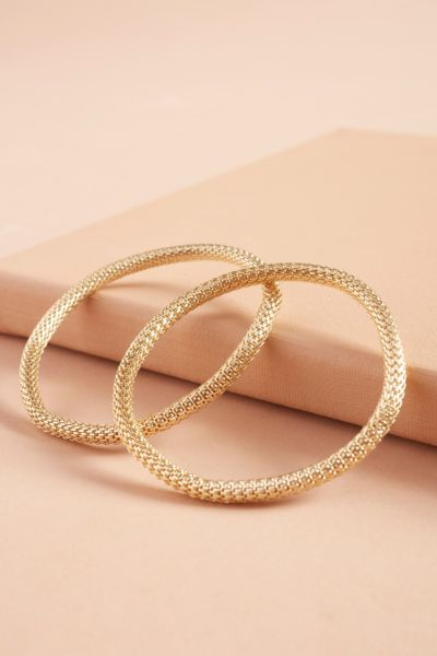 Thirty-nine 42 Ella Stretch Chain Bracelets