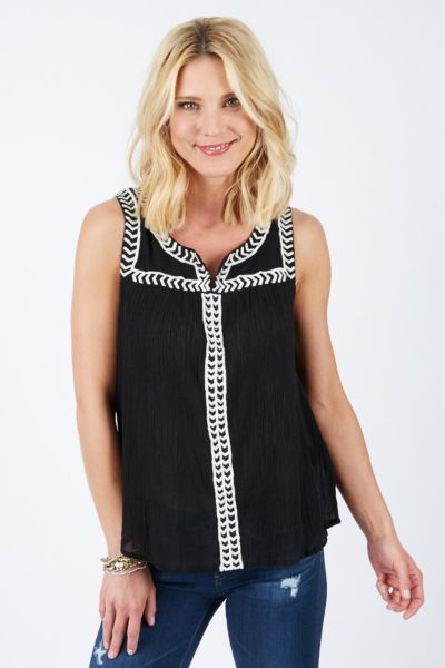 Sloane rouge Embroidered Peasant Top