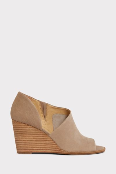 Lucky Jaxy Wedge Sandal