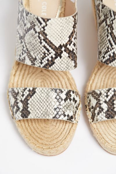 Kenneth cole Snake Olivia Wedge
