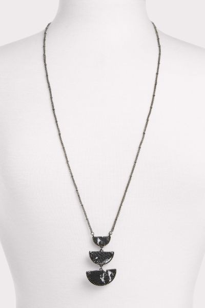 Thirty-nine 42 Grayson Leather Tier Pendant Necklace