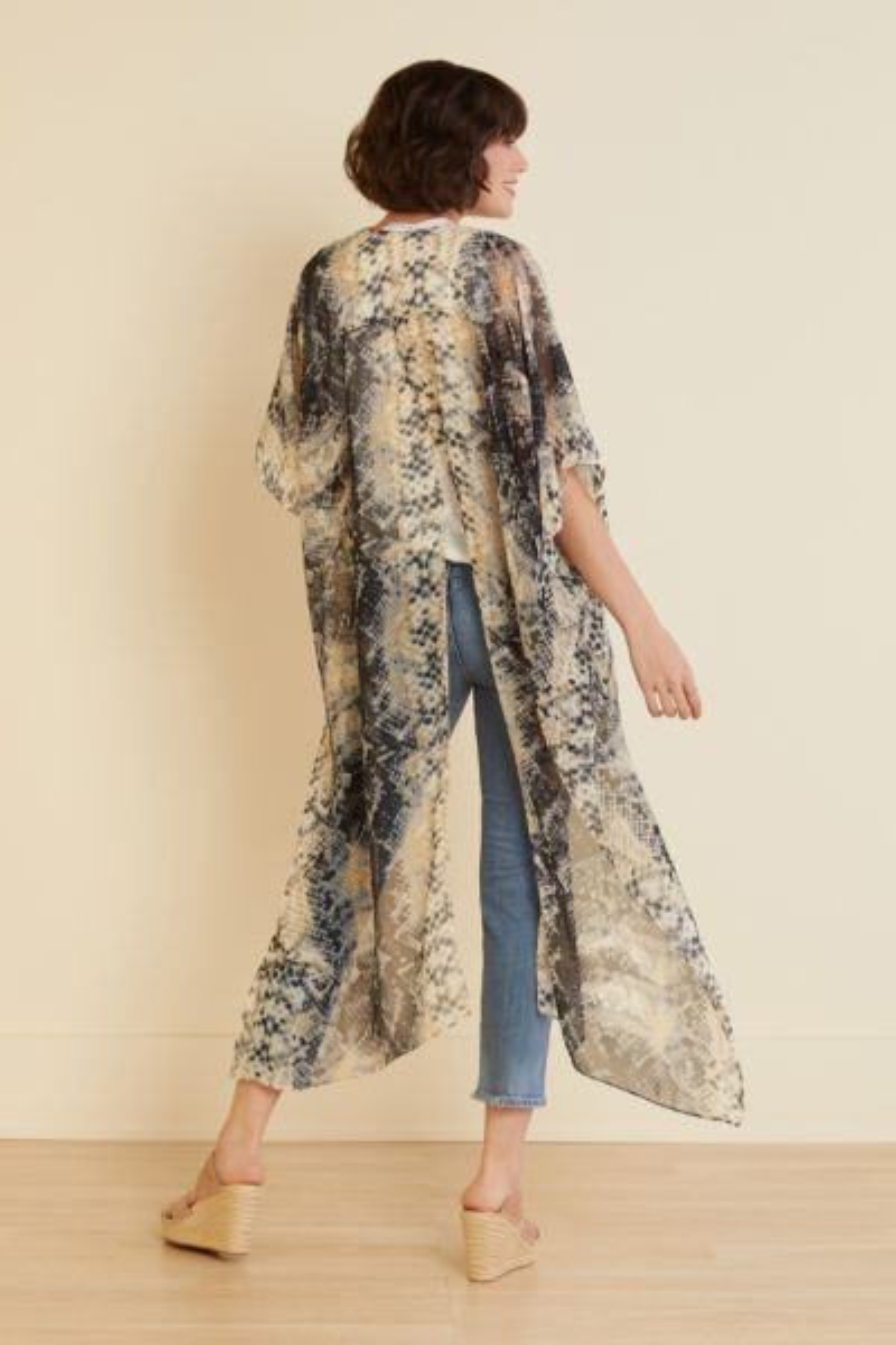 Michael stars Elle Snake Kimono