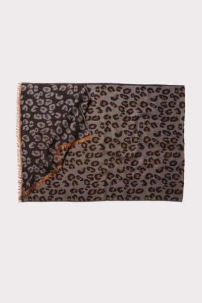 Do everything in love Leopard Scarf