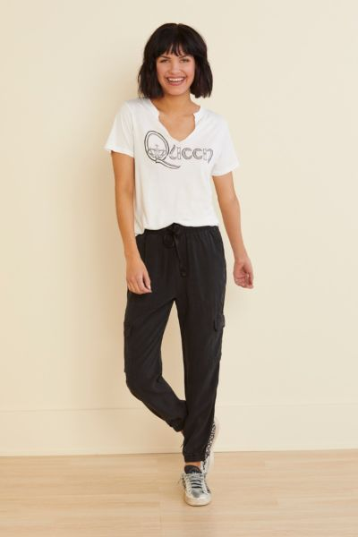 Letluv Queen Split Neck Tee