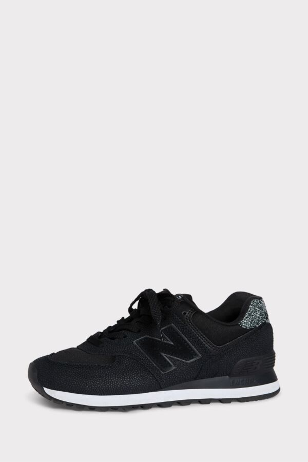 b2c2699198f31 574 Pebbled Street Sneaker   EVEREVE