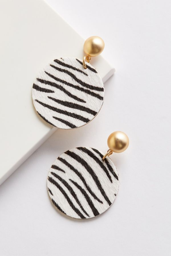 Evereve Alex Zebra Earrings