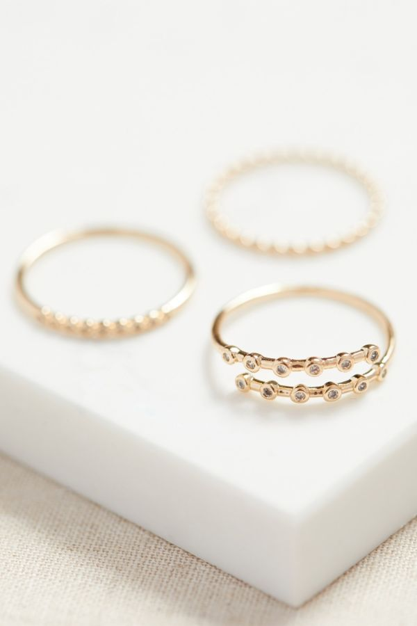 Thirty-nine 42 Vale Ring Stack