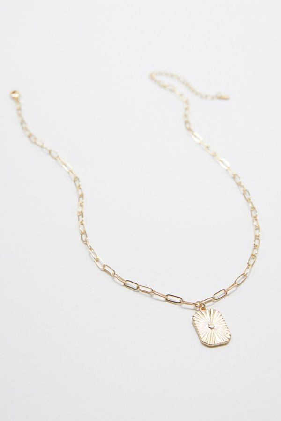 Evereve Dylan Paper Clip Pendant Necklace