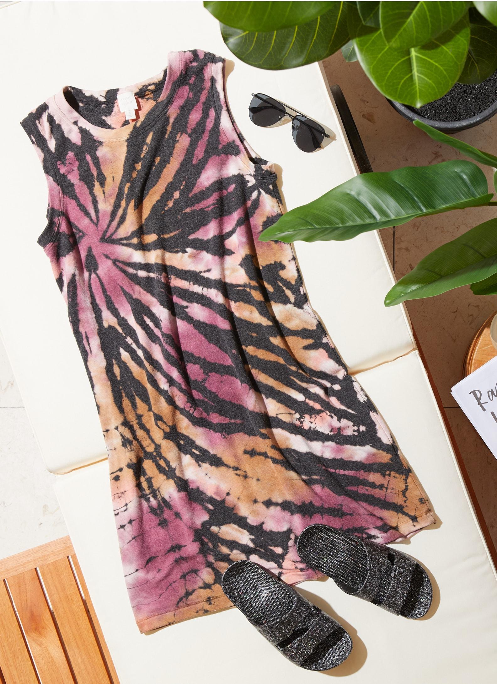 tie-dye short dress and black sandal slides