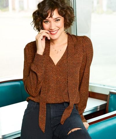 Brown leopard print v-neck bodysuit – Shop Tops