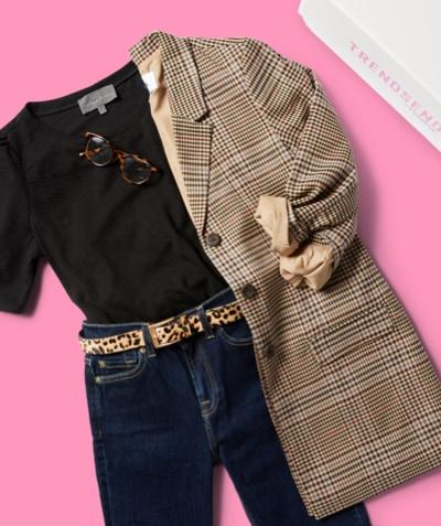 plaid, long blazer, black tee, animal print belt and dark wash denim